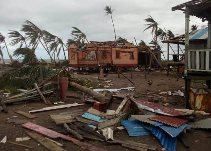 El huracán Eta aterriza en Centroamérica y su impacto persiste
